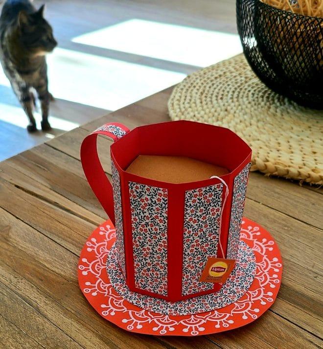 tasse de thé chat